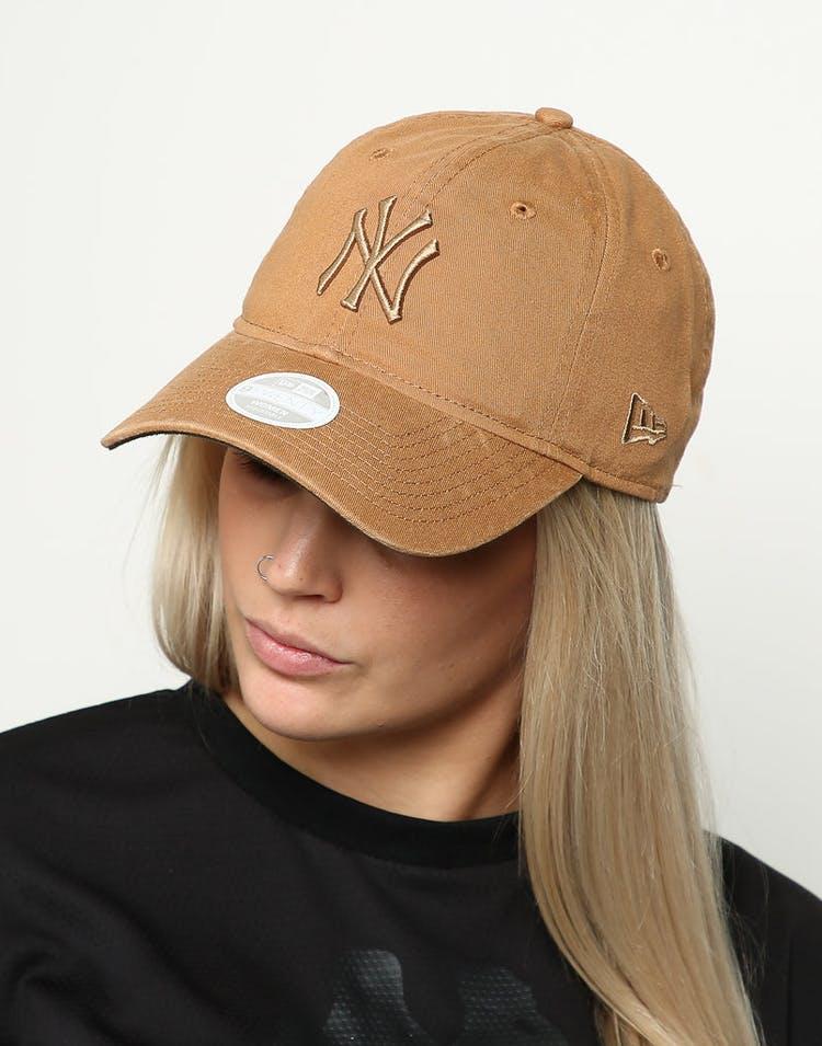 best sneakers 9369d 39881 New Era Women s New York Yankees 9TWENTY Cloth Buckle Strapback Wheat