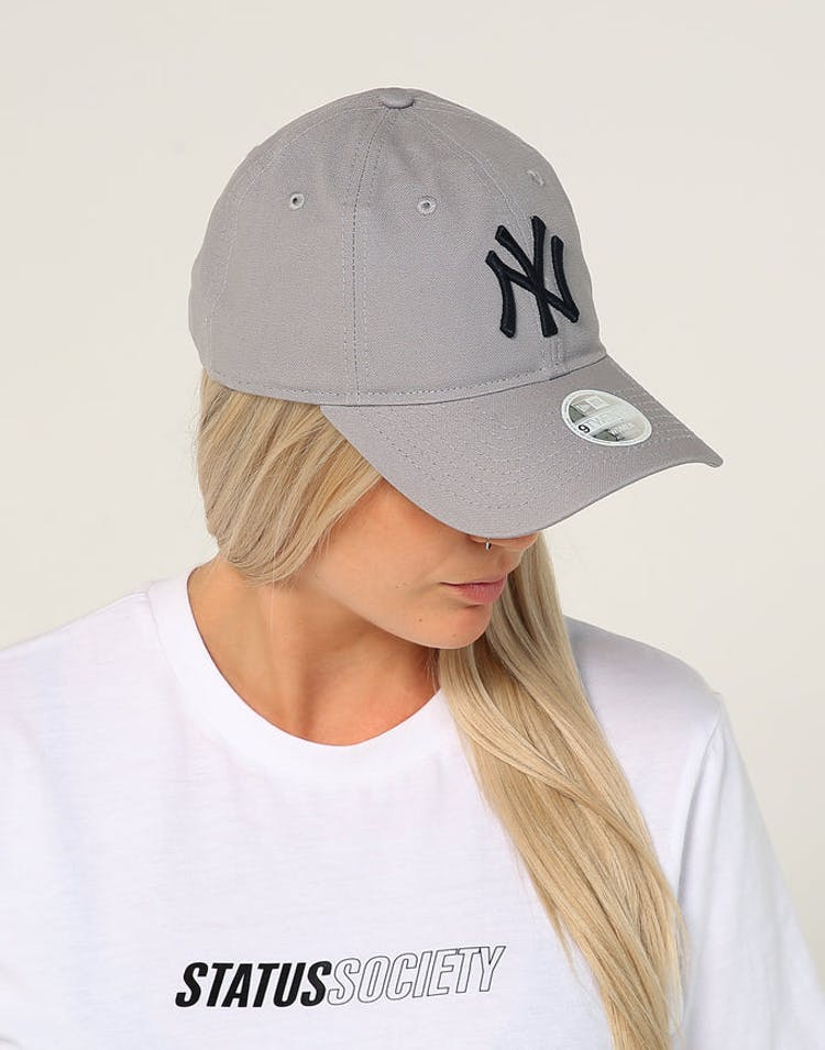 a7a881c921868 New Era Women s New York Yankees 9TWENTY Cloth Strapback Grey – Culture  Kings