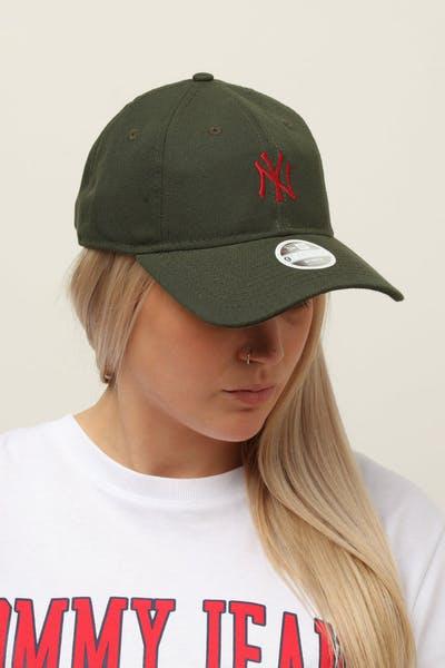 wholesale dealer d2a69 e00e2 New Era Women s New York Yankees 9TWENTY Cloth Buckle Strapback Dark Green