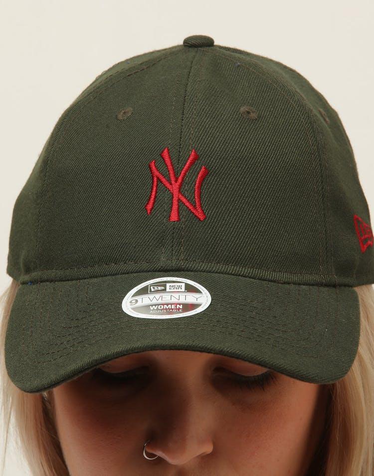 wholesale dealer 52618 1e75d New Era Women s New York Yankees 9TWENTY Cloth Buckle Strapback Dark Green