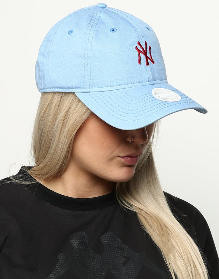 size 40 facfb 6f02c New Era Women s New York Yankees 9TWENTY Cloth Buckle Strapback Blue –  Culture Kings