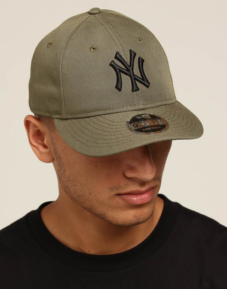 finest selection 07bce 21c08 New Era Yankees 9FIFTY Retro Crown Snapback Olive – Culture Kings