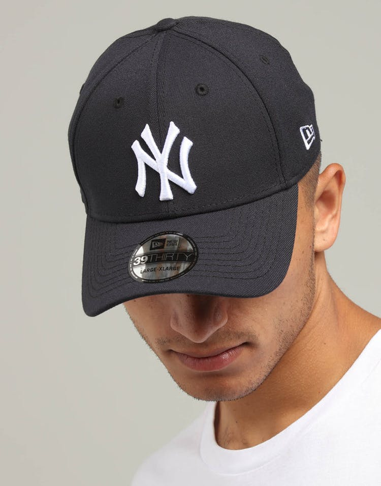 3ffe48edfd996 New Era New York Yankees 39THIRTY Stretchfit Navy White – Culture Kings