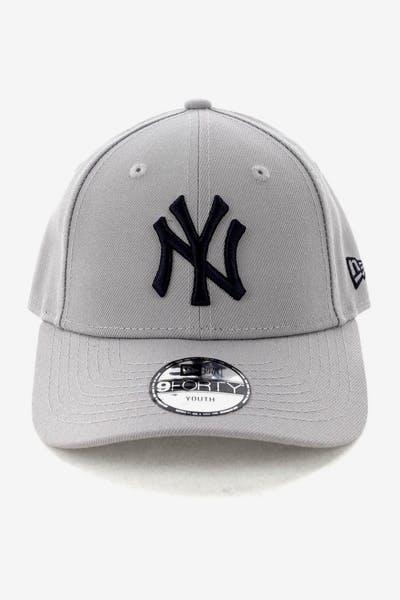 51896ef43fe New Era Youth New York Yankees 9FORTY HookNLoop Grey