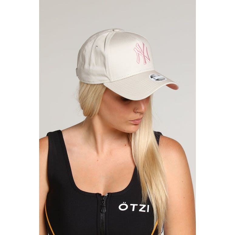 28d9e7aa8 New Era Women's New York Yankees 9FORTY A-Frame Strapback Stone/Dusty Pink