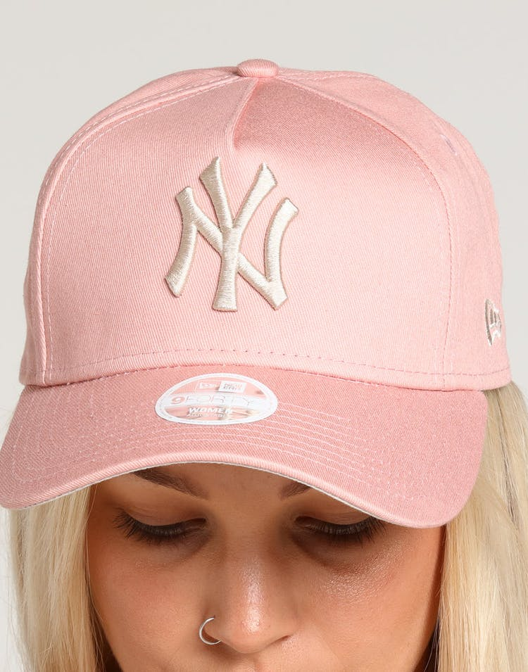 52d3c06f New Era Women's New York Yankees 9FORTY A-Frame Strapback Dusty Pink/Stone