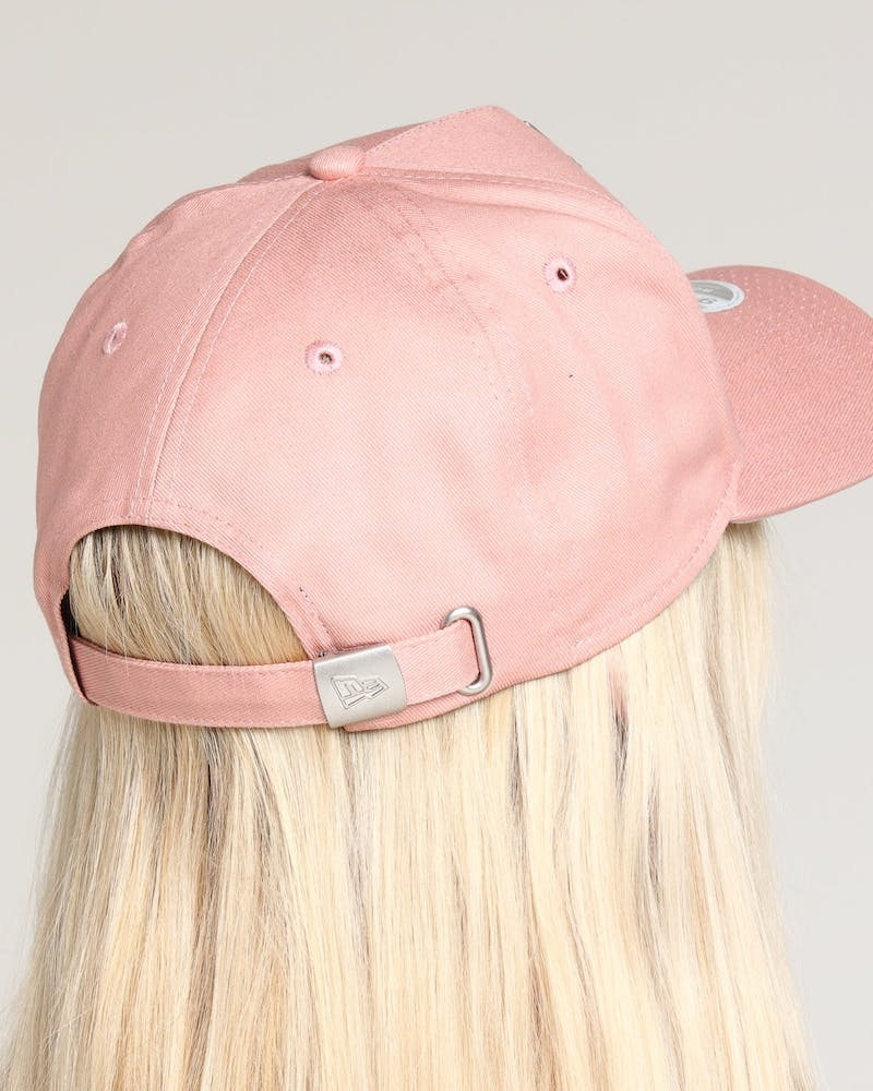 New Era Women's New York Yankees 9FORTY A-Frame Strapback Dusty Pink/Stone