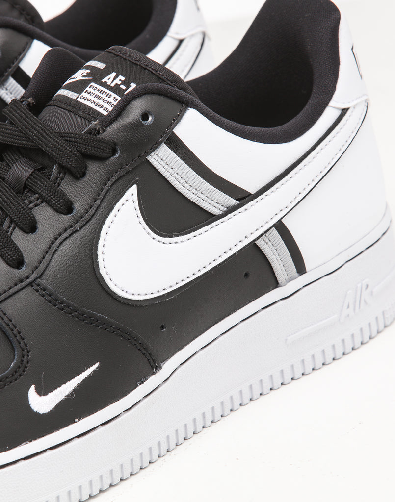 the bay nike air force 1
