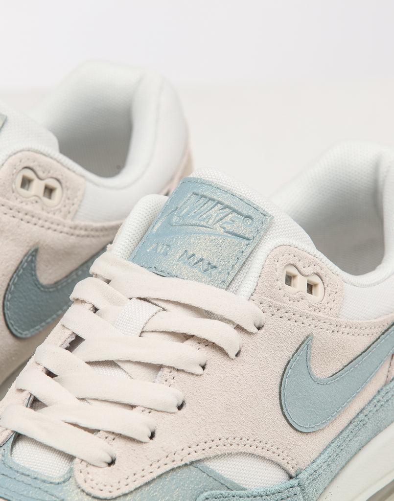 Nike Women's Air Max 1 SE Overbranded PhantomOcean Blue