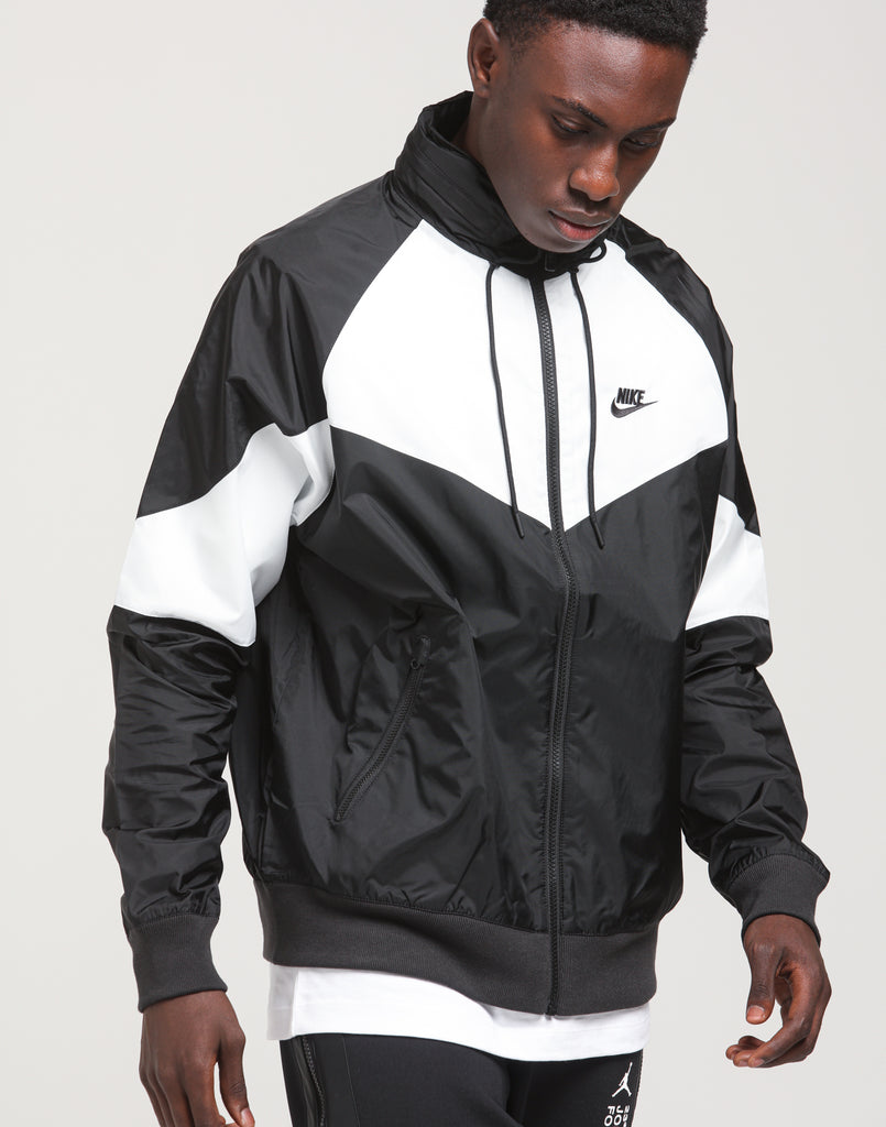 Nike Windrunner Jacket in Black & Navy