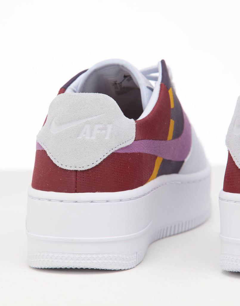 NIKE WOMEN'S AIR FORCE 1 SAGE LOW LX GREYDARK ORCHID