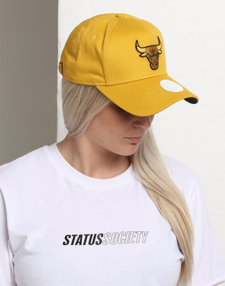 770ec98a New Era Women's Chicago Bulls 9FORTY A-Frame LP Strapback Mustard/Blac –  Culture Kings
