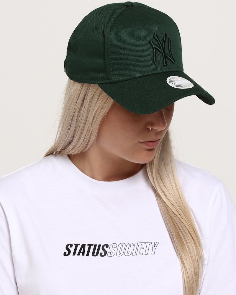New Era Women's New York Yankees 9FORTY A-Frame Strapback Jade
