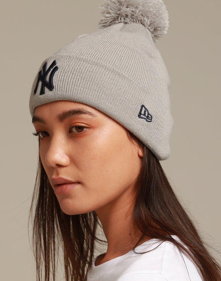 6c95640e0ae12 New Era Women s New York Yankees 6Dart Pom Knit Grey Navy – Culture Kings