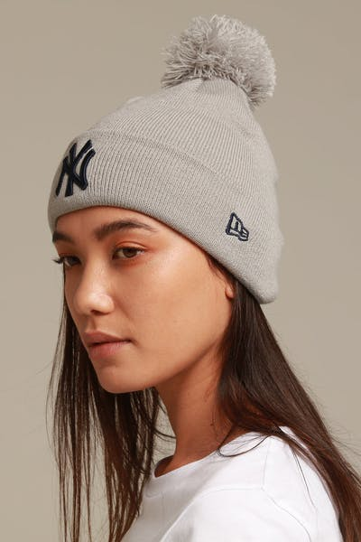 New Era Women's New York Yankees 6Dart Pom Knit Grey/Navy