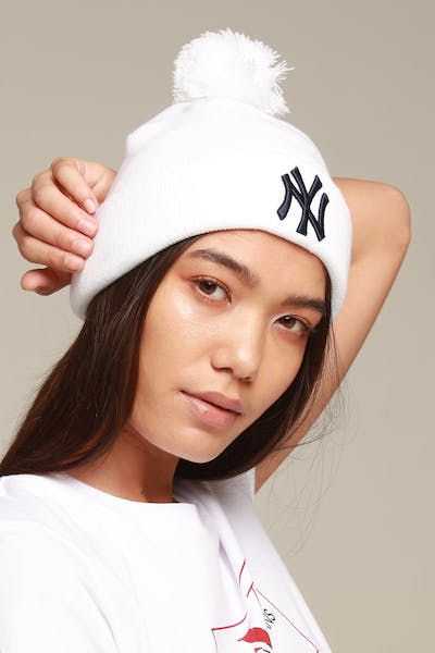 New Era Women's New York Yankees 6Dart Pom Knit White/Navy