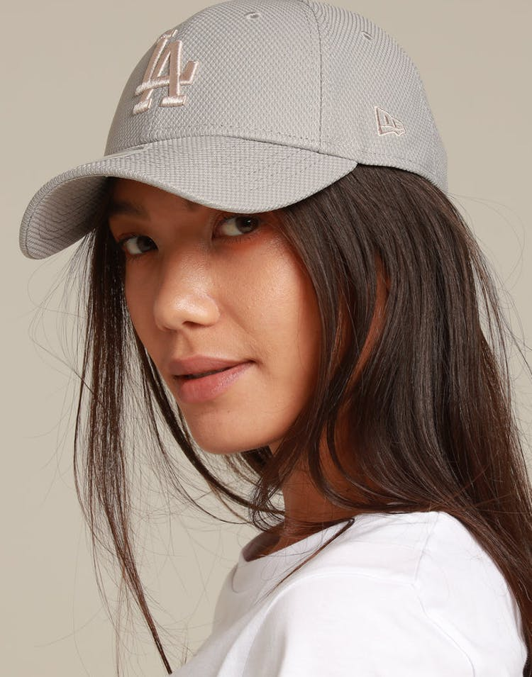 reputable site 33204 f4944 New Era Women s Los Angeles Dodgers 9FORTY Strapback Grey – Culture Kings