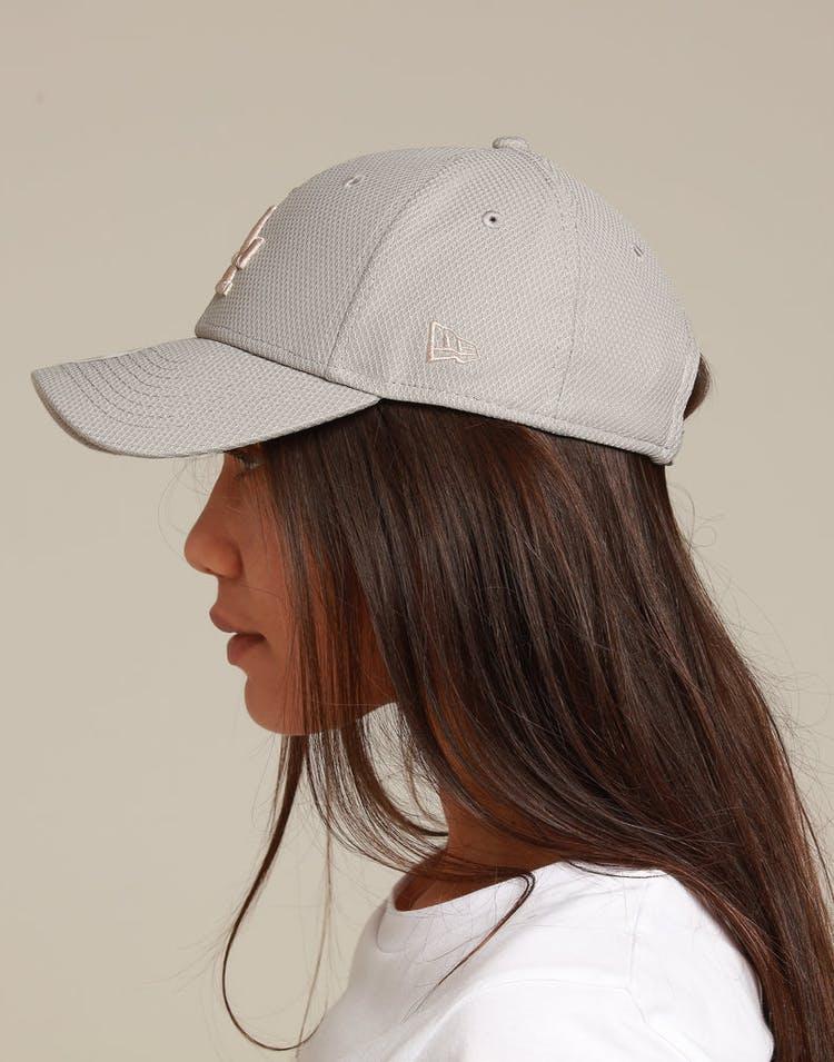 wholesale dealer 9781a e1358 New Era Women s Los Angeles Dodgers 9FORTY Strapback Grey