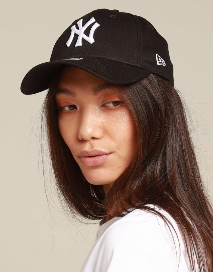 05193806bf6c9 New Era Women New York Yankees 9Forty Tape Strapback Black White – Culture  Kings