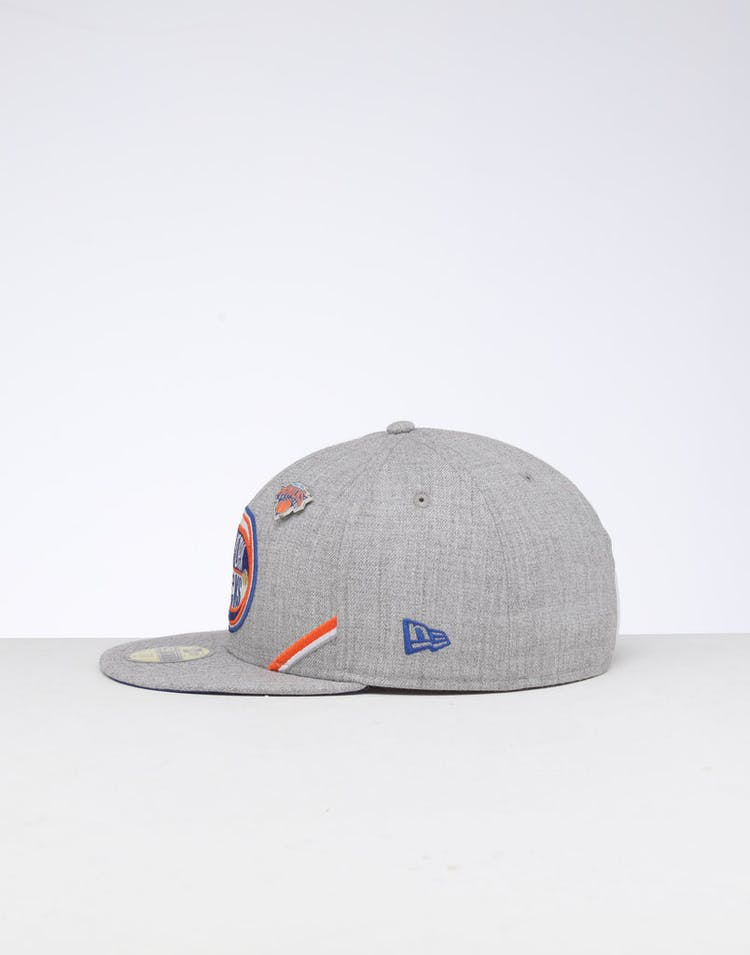 sale retailer 01e5b 07903 New Era New York Knicks 59FIFTY NBA Draft Fitted Dark Blue OTC