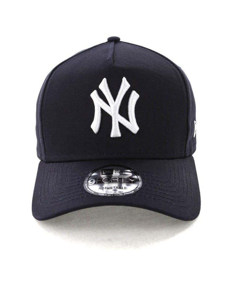 huge selection of e22e7 36a3b New Era New York Yankees K-Frame Snapback Navy White