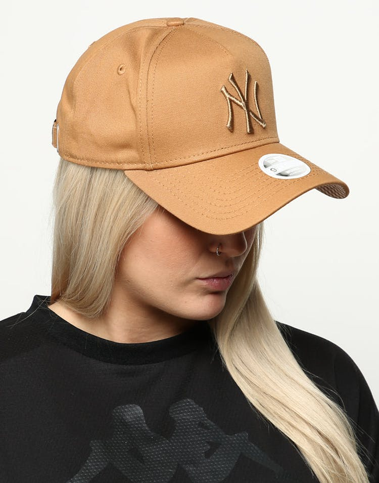 a54f6a52 New Era Women's New York Yankees 9FORTY A-Frame Strapback Wheat/Brown –  Culture Kings