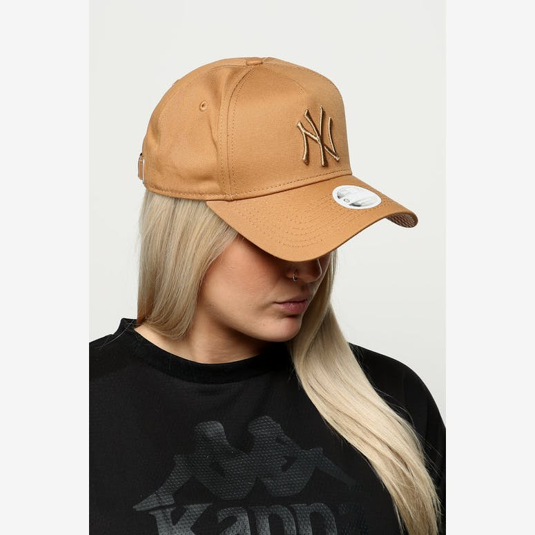 New Era Women s New York Yankees 9FORTY A-Frame Strapback Wheat Brown –  Culture Kings 66422c462227
