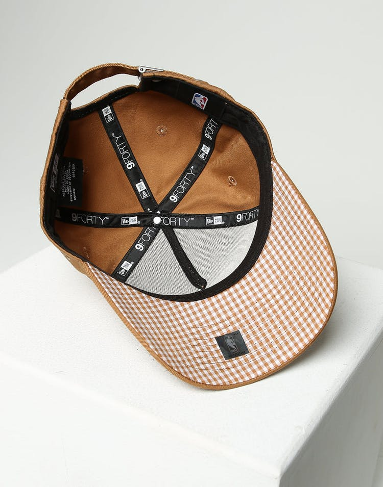 3db1d8bc2 New Era Women's New York Yankees 9FORTY A-Frame Strapback Wheat/Brown