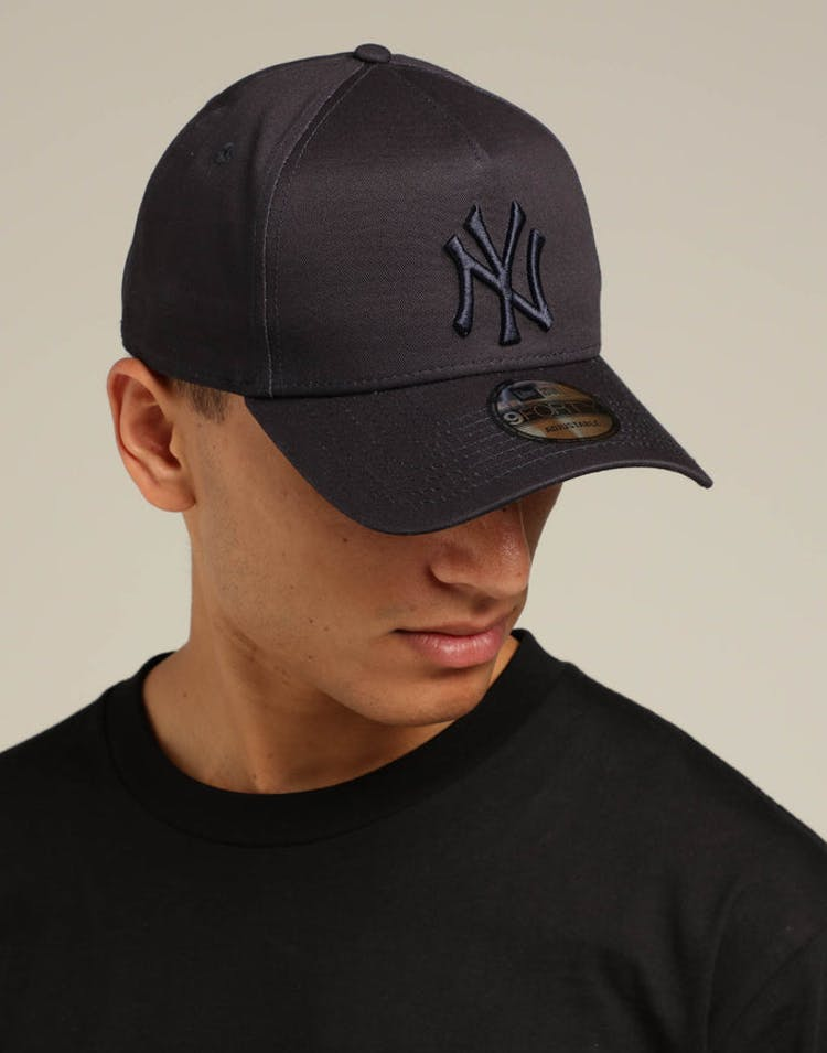 62fab351f4f17 New Era New York Yankees 9FORTY A-Frame Snapback Navy Tartan – Culture Kings