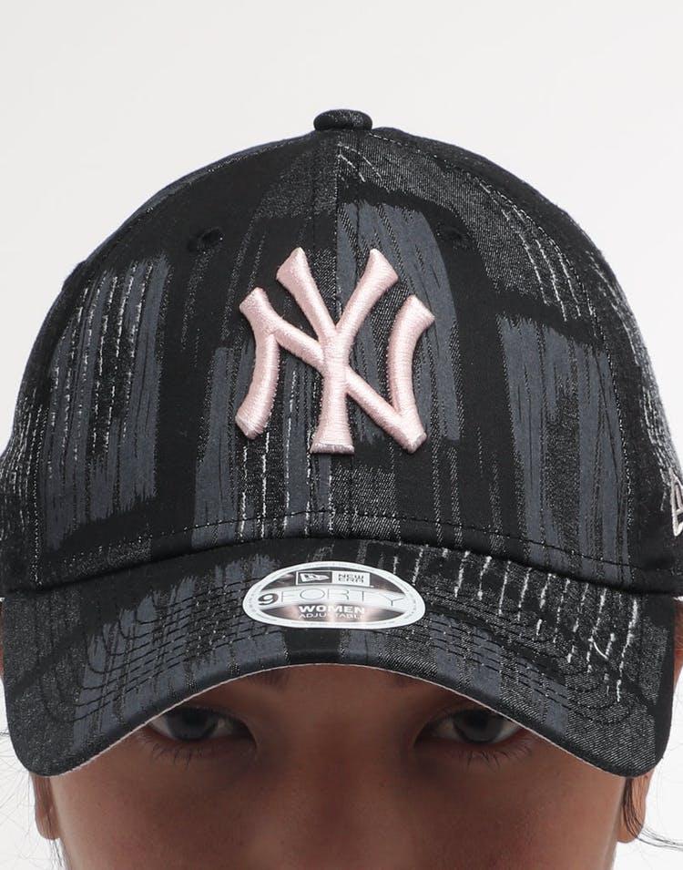 985b568af NEW ERA WOMEN'S NEW YORK YANKEES 9FORTY CLOTH STRAP BLACK/PINK/CAMO