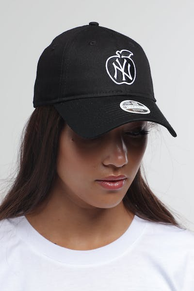 New Era Women's New York Yankees 9TWENTY Cloth Strapback Black