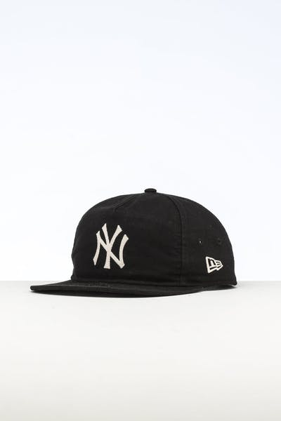 8a1dc982efed6 New Era New York Yankees The Old Golfer Chainstitch Snapback Dark  Black Ivory