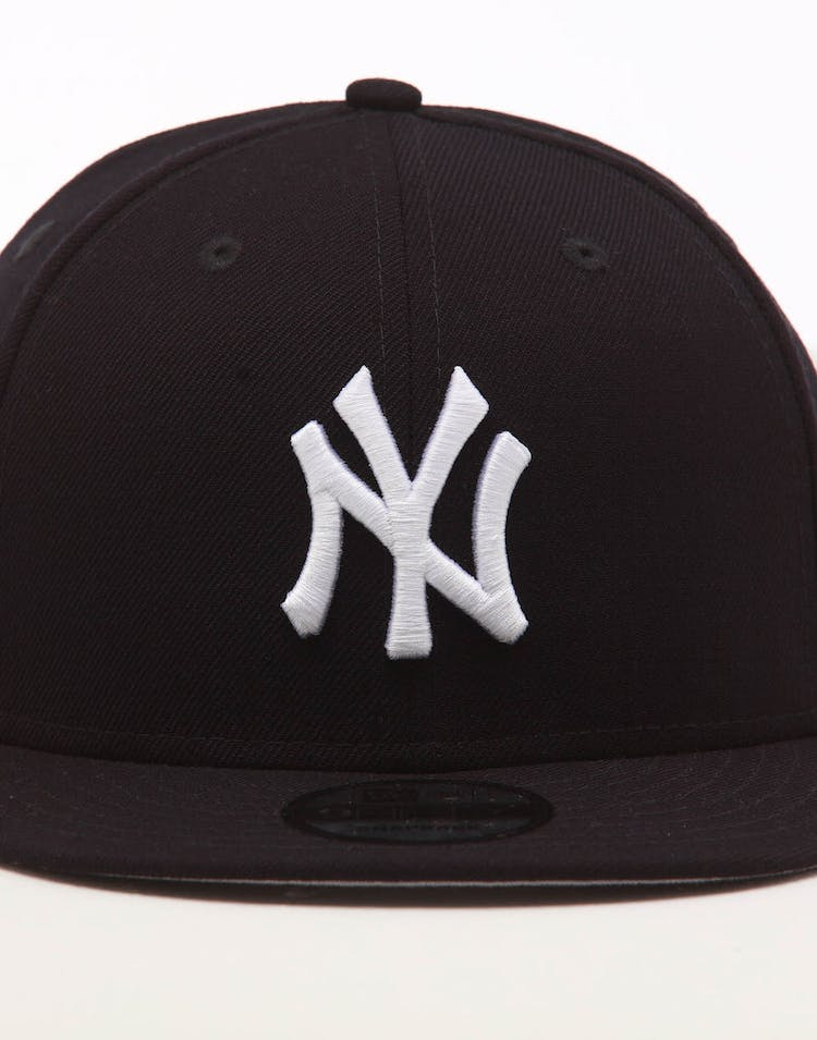 e43bfe06b New Era New York Yankees 9FIFTY SWAROVSKI '99 Snapback Navy