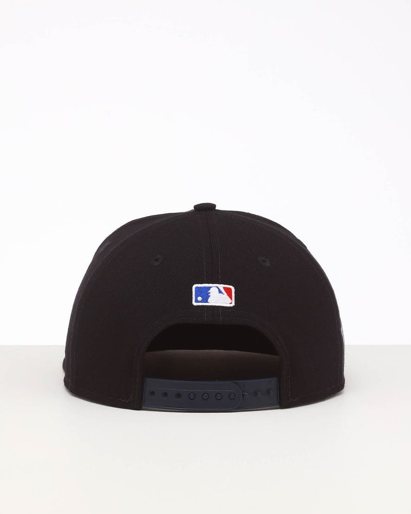 New Era Boston Red Sox 9FIFTY SWAROVSKI '13 Snapback Navy/OTC