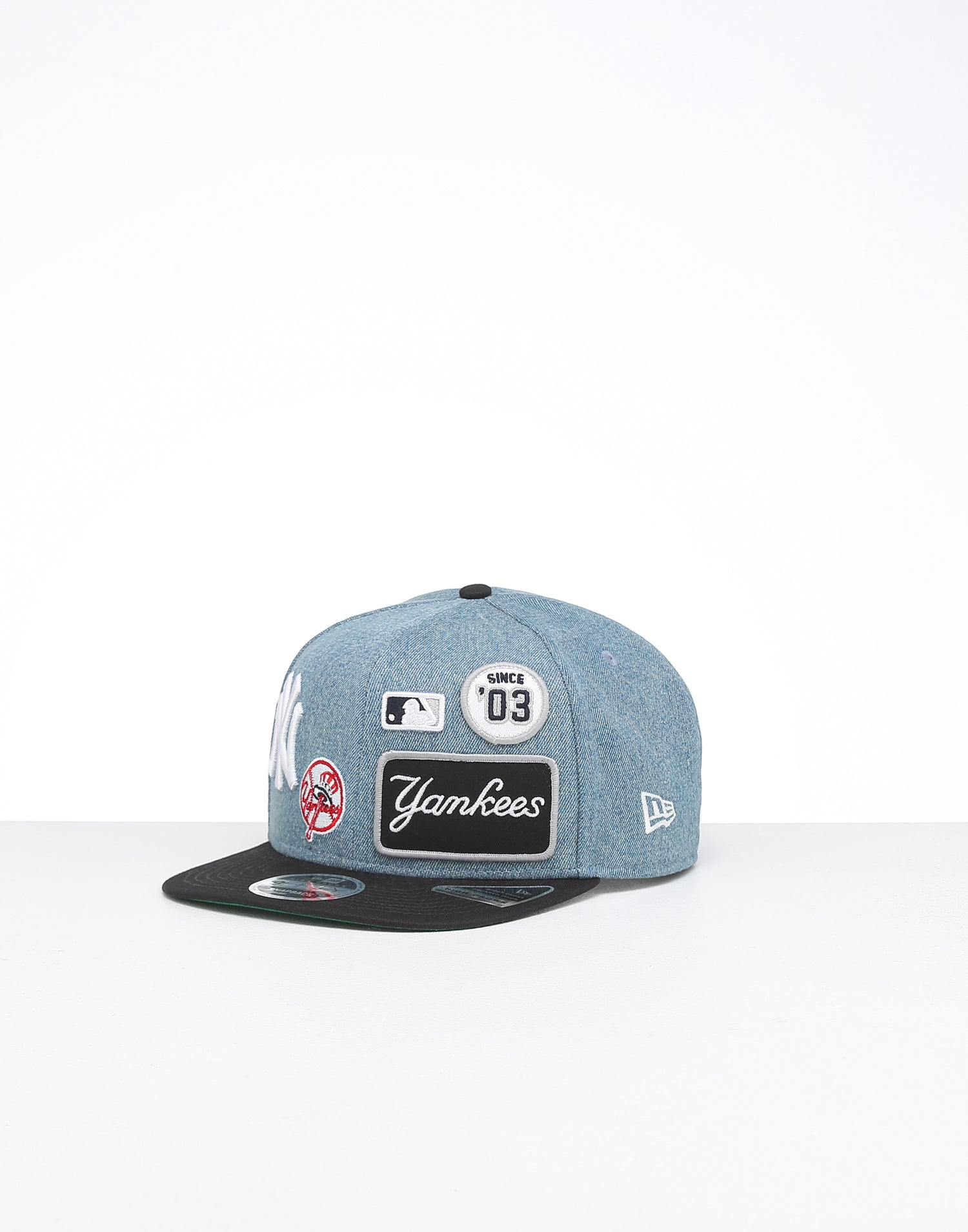 New Era MLB New York Yankees Badged Fan Retro Snapback Adjustable Hat W