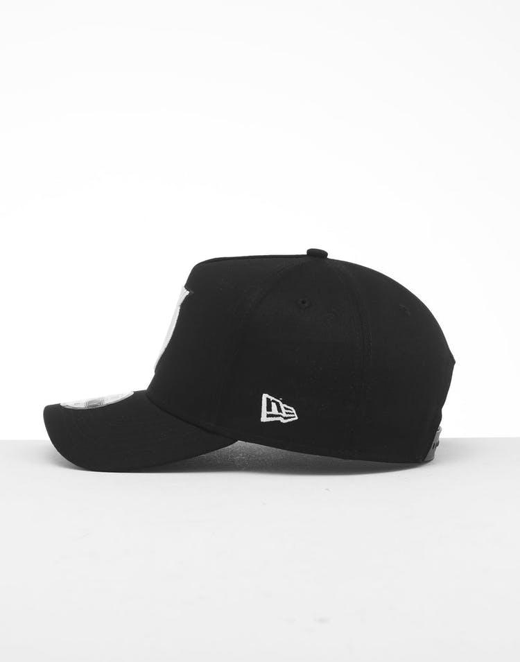 new style 1d15d eedb8 New Era New York Knicks 9FORTY K-Frame Snapback Black White