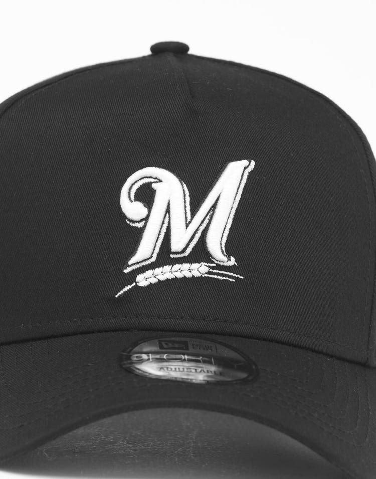 super popular b3316 f2d0f New Era Milwaukee Brewers 9FORTY K-Frame Snapback Black White