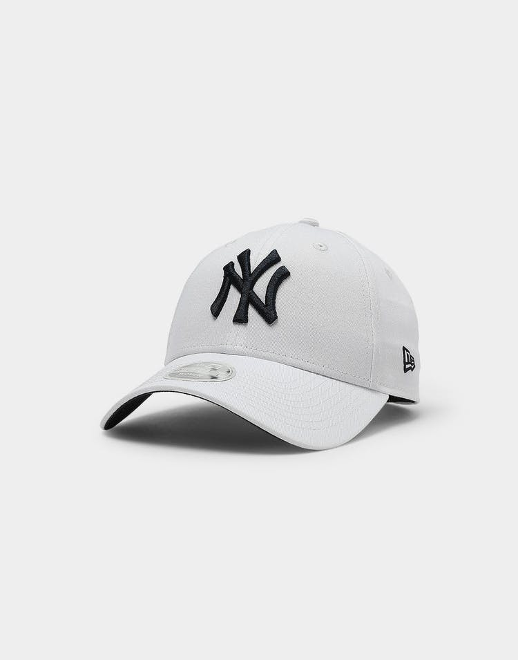 New Era Women's New York Yankees 9FORTY WRD STLR Strapback White