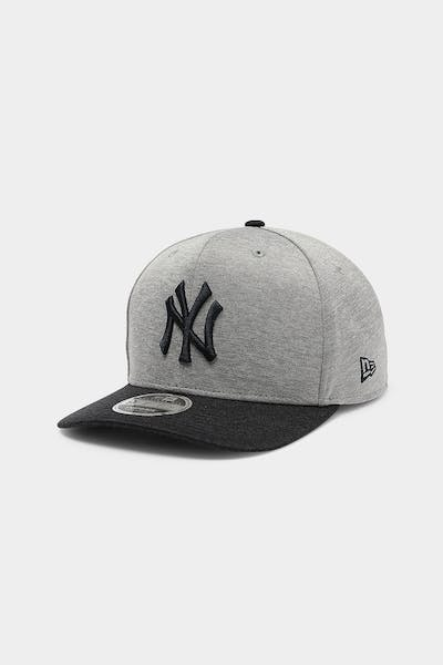 New Era New York Yankees 9FIFTY Precurved Snapback Team Shadow Tech