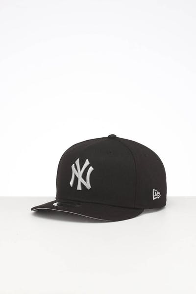 NEW ERA NEW YORK YANKEES HIGH CROWN PRECURVED TEAM OUTLINE SNAPBACK BLACK/GREY