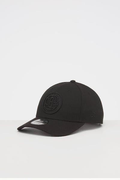 NEW ERA BROOKLYN NETS 9FORTY SNAPBACK BLACK/BLACK