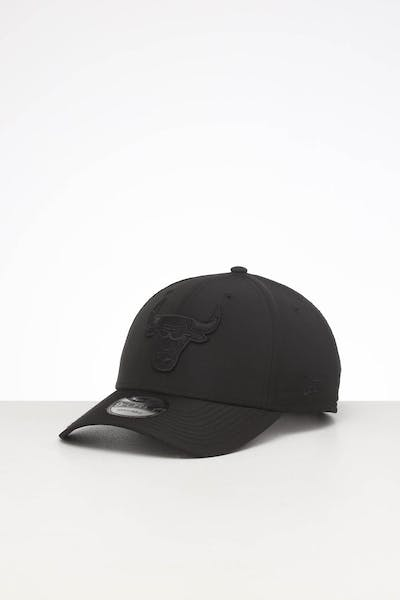 New Era Chicago Bulls 9FORTY Nylon Snapback Black/Black