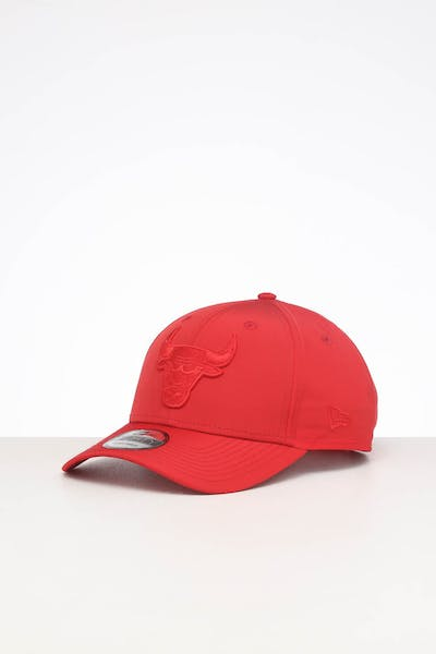 New Era Chicago Bulls 9FORTY Nylon Snapback Scarlet