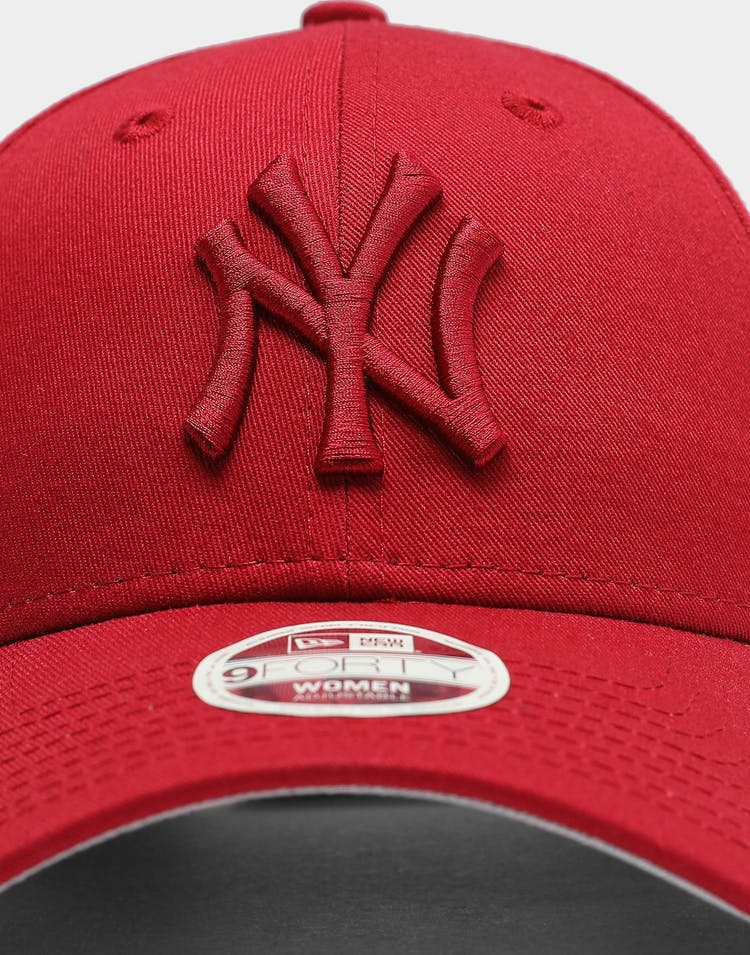 Women's New York Yankees 9FORTY MLB Strapback