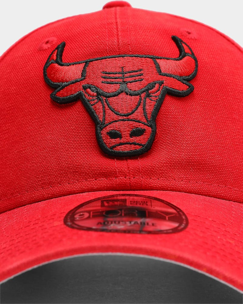 New Era Men's Chicago Bulls Canvas 9FORTY NBA Strapback Scarlet
