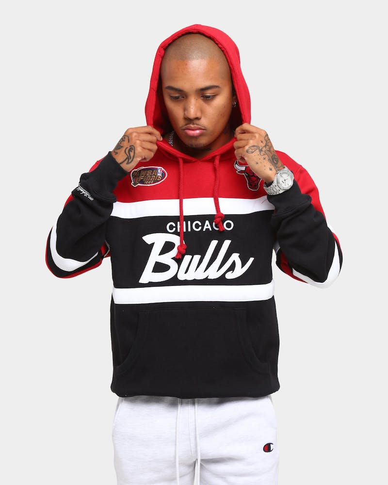 Mitchell & Ness Men's Chicago Bulls Head Coach Hoodie Black