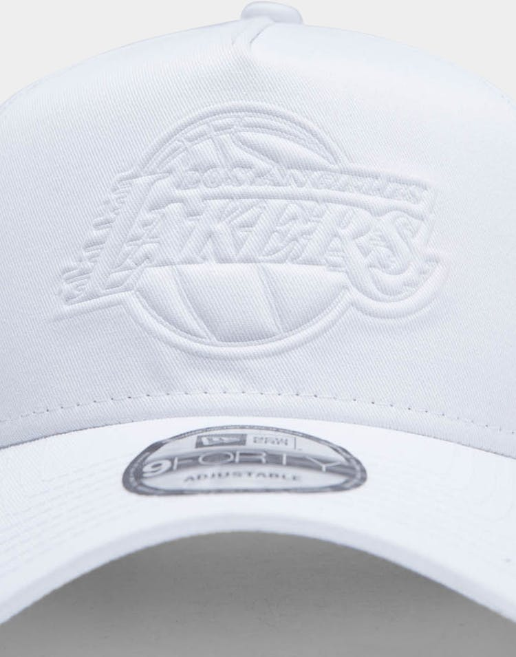 New Era Men's Los Angeles Lakers Emboss 9FORTY A-Frame NBA Snapback White