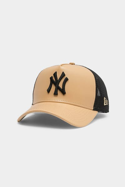 Men's New Era New York Yankees Leather Trucker Tan/Black
