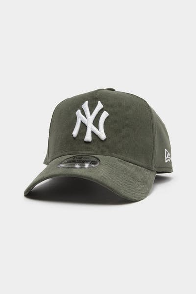 New Era Men's New York Yankees Cord 9FORTY A-Frame Snapback Forest Green
