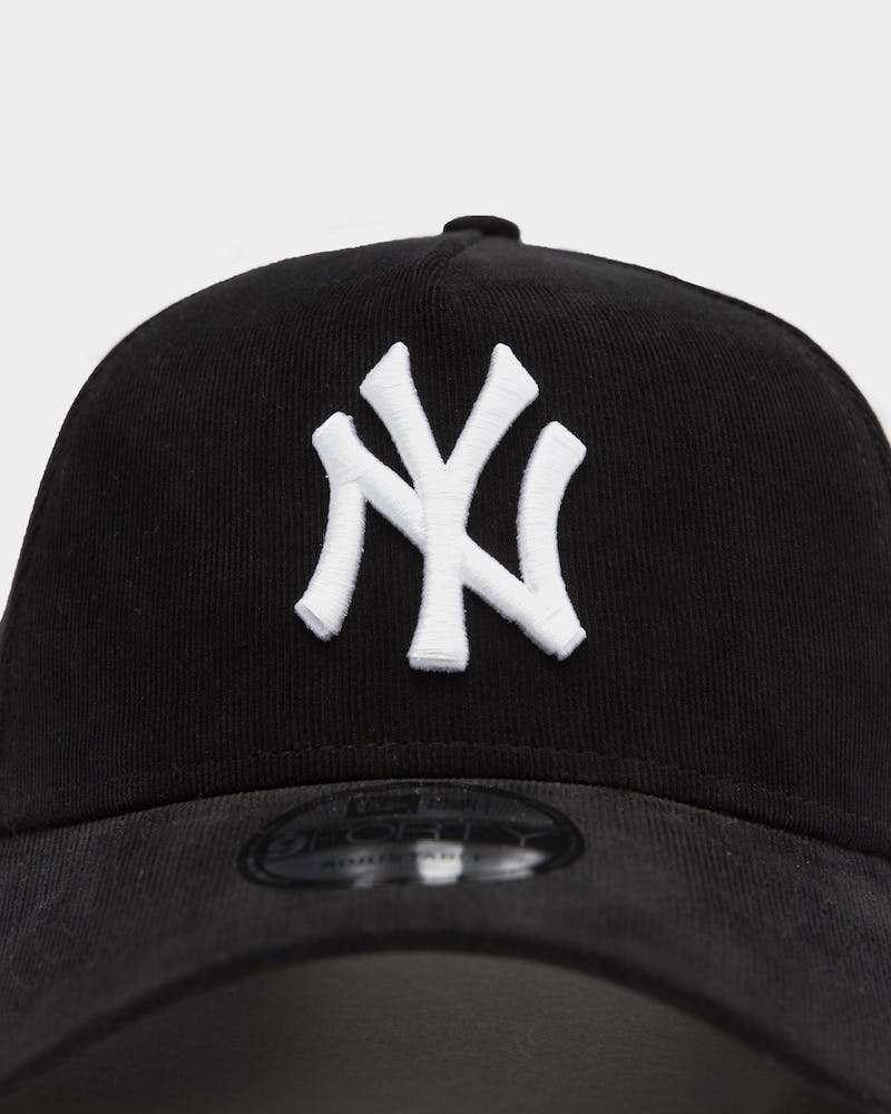 New Era Men's New York Yankees Cord 9FORTY A-Frame Snapback Black/White